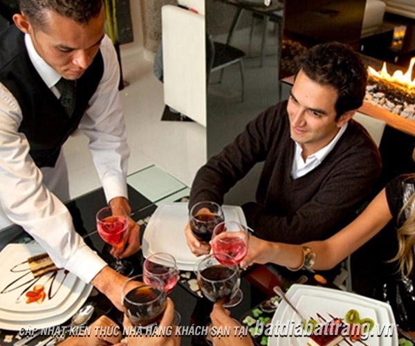 Hướng dẫn cách nhân viên phục vụ order món ăn cho thực khách
