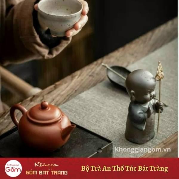 Nước trà có vị thanh hơn, thơm hơn khi pha bằng ấm an thổ túc